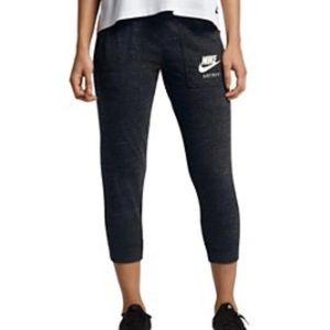 Women's Nike Crop Joggers